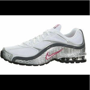 10 Nike Reax Run 5